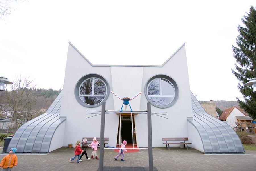 asilo-a-forma-di-gatto-germania-architettura-1