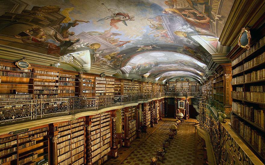 biblioteca-gesuita-barocca-praga-klementinum-2