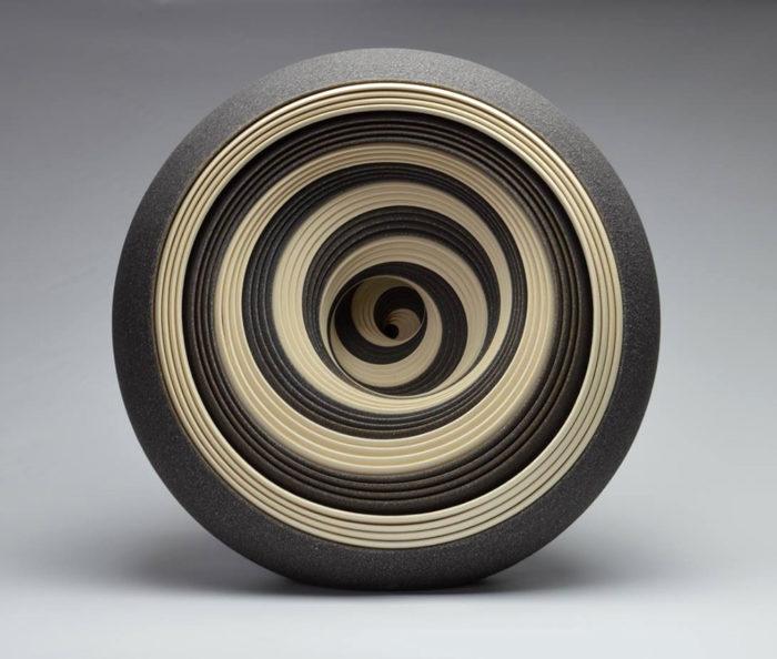 ceramiche-artistiche-concentriche-gres-matthew-chambers-01