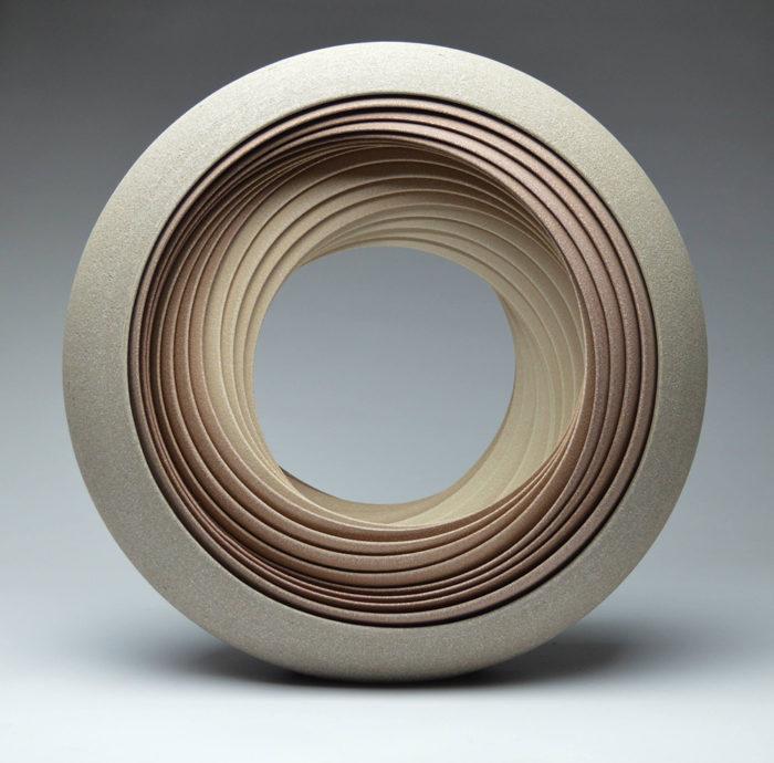 ceramiche-artistiche-concentriche-gres-matthew-chambers-02
