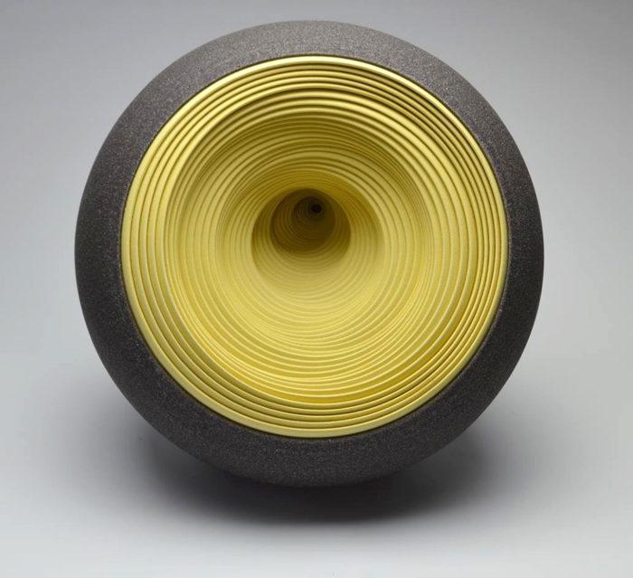 ceramiche-artistiche-concentriche-gres-matthew-chambers-03