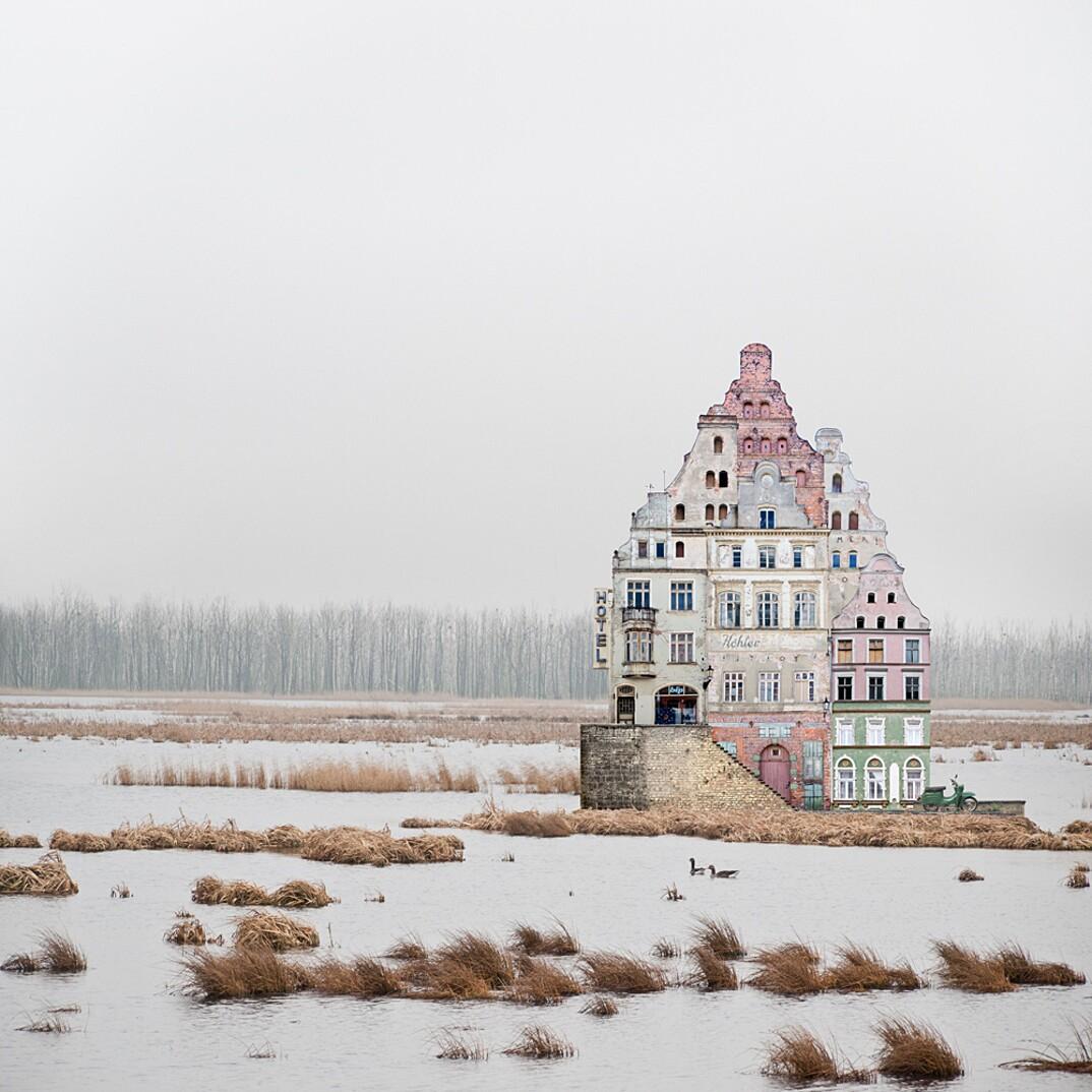 collage-montaggi-fotografia-architettura-surreale-matthias-jung-3-keblog