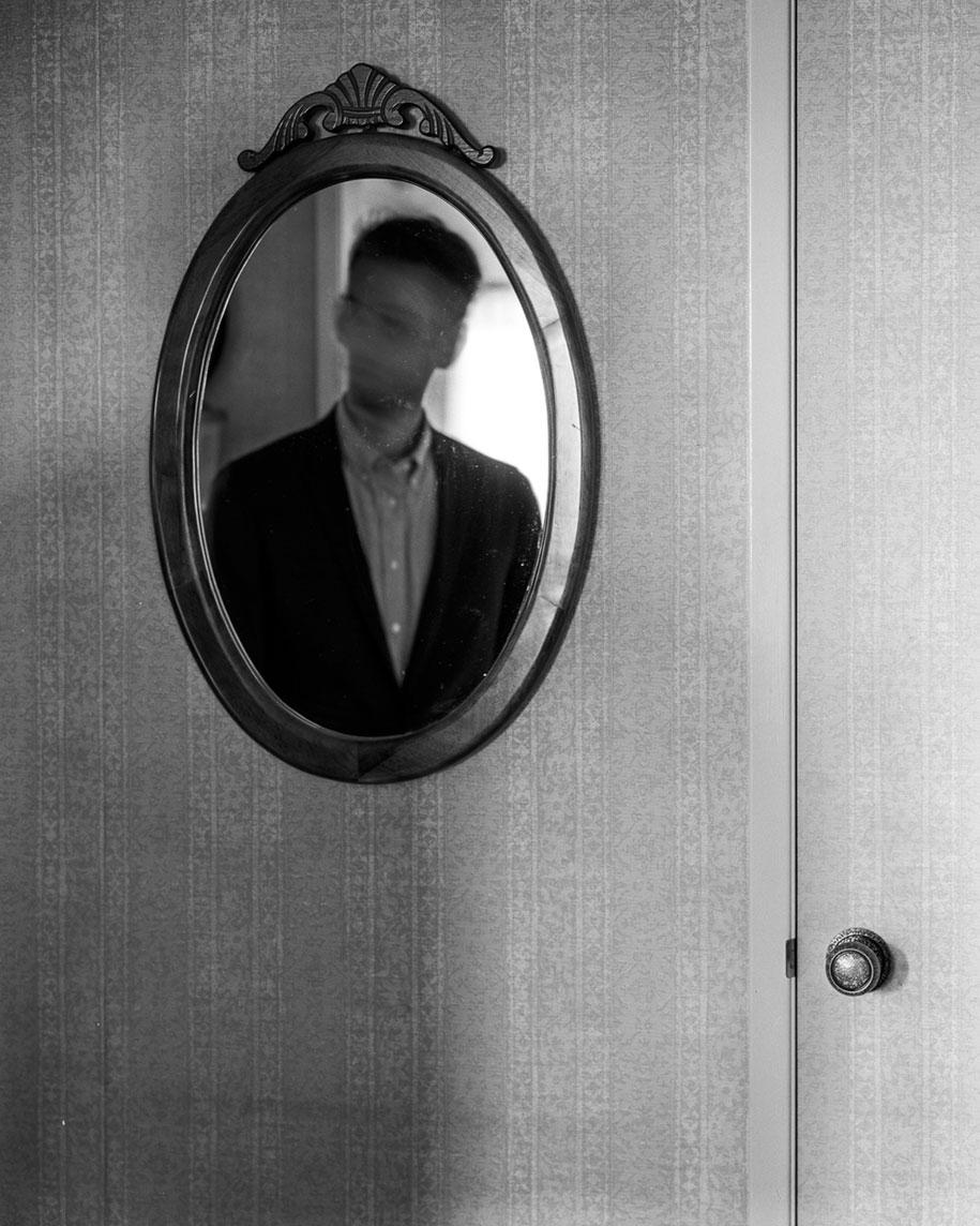 depressione-autoritratti-fotografia-edward-honaker-09
