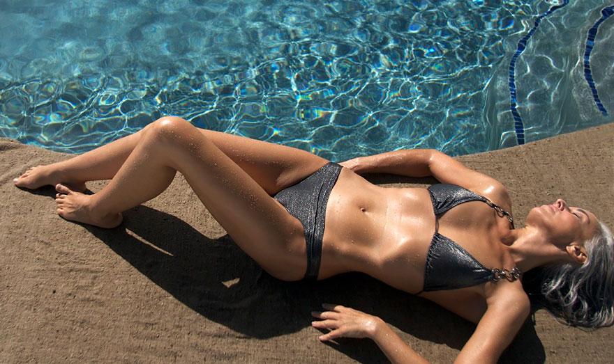 donna-59-anni-modella-yasmina-rossi-04