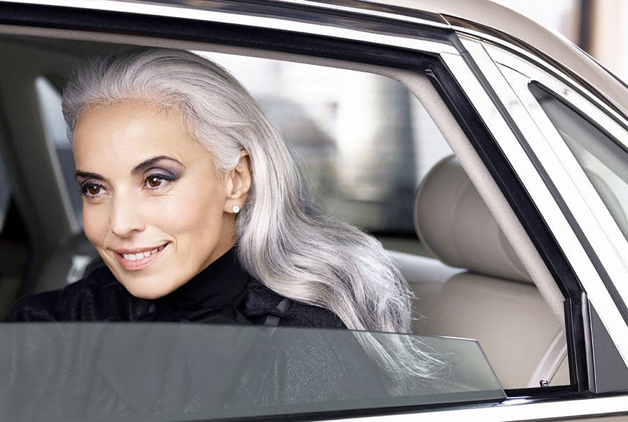 donna-59-anni-modella-yasmina-rossi-10