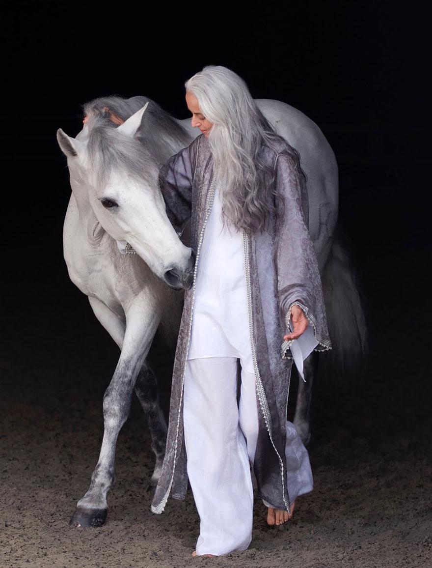 donna-59-anni-modella-yasmina-rossi-11