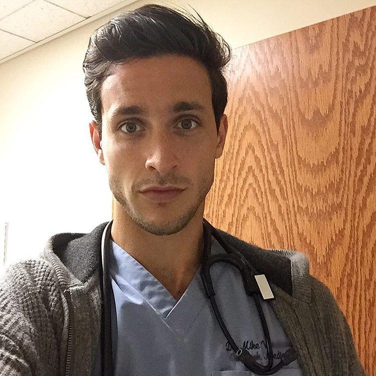 dottore-sexy-dr-mike-cane-husky-successo-internet-10