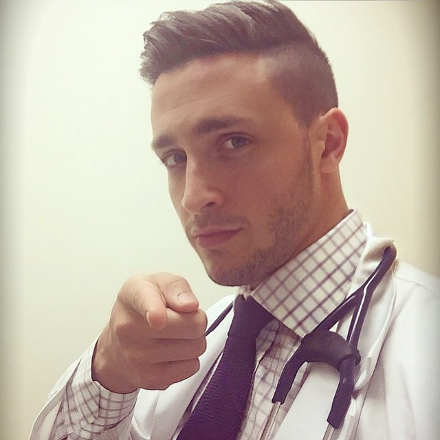 dottore-sexy-dr-mike-cane-husky-successo-internet-19