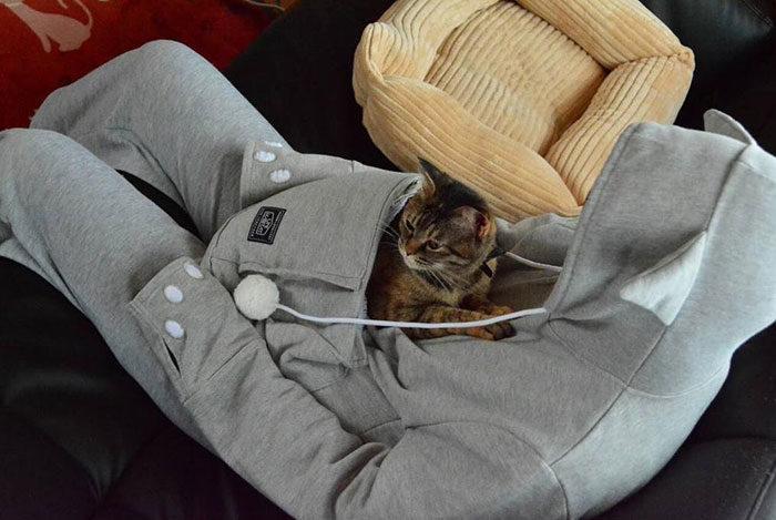 felpa-cappuccio-tasca-marsupio-canguro-gatto-mewgaroo-09