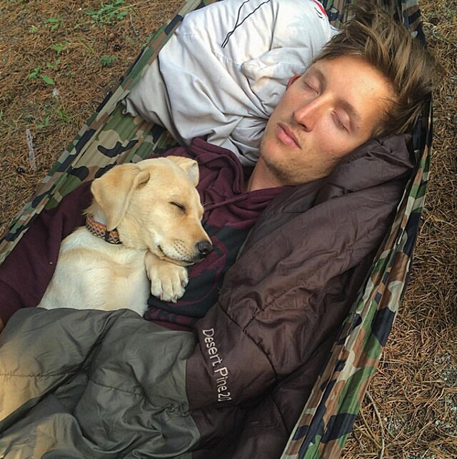 foto-cani-campeggio-trekking-hicking-natura-instagram-camping-with-dogs-16-keb
