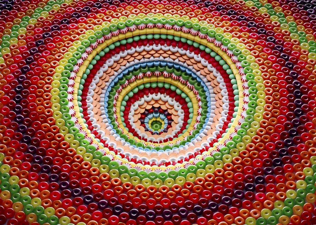 foto-composizioni-biscotti-caramelle-sam-kaplan-1