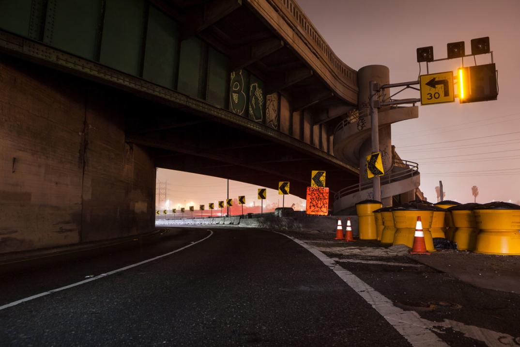 foto-notturne-freeway-strade-deserte-los-angeles-alex-scott-02