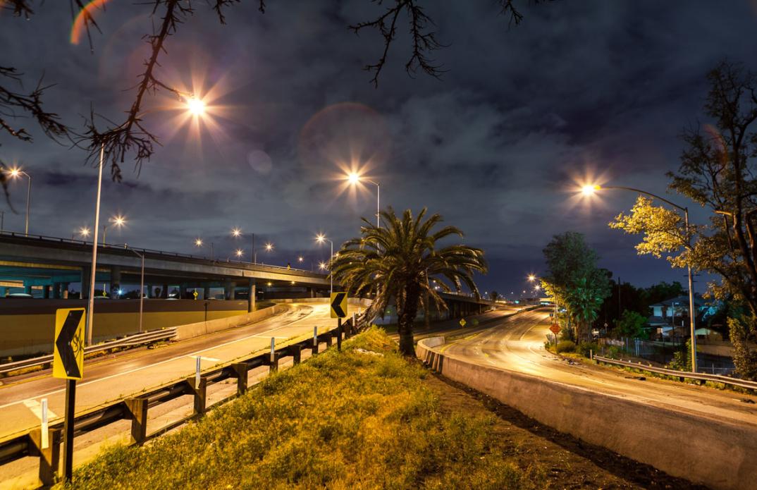foto-notturne-freeway-strade-deserte-los-angeles-alex-scott-03