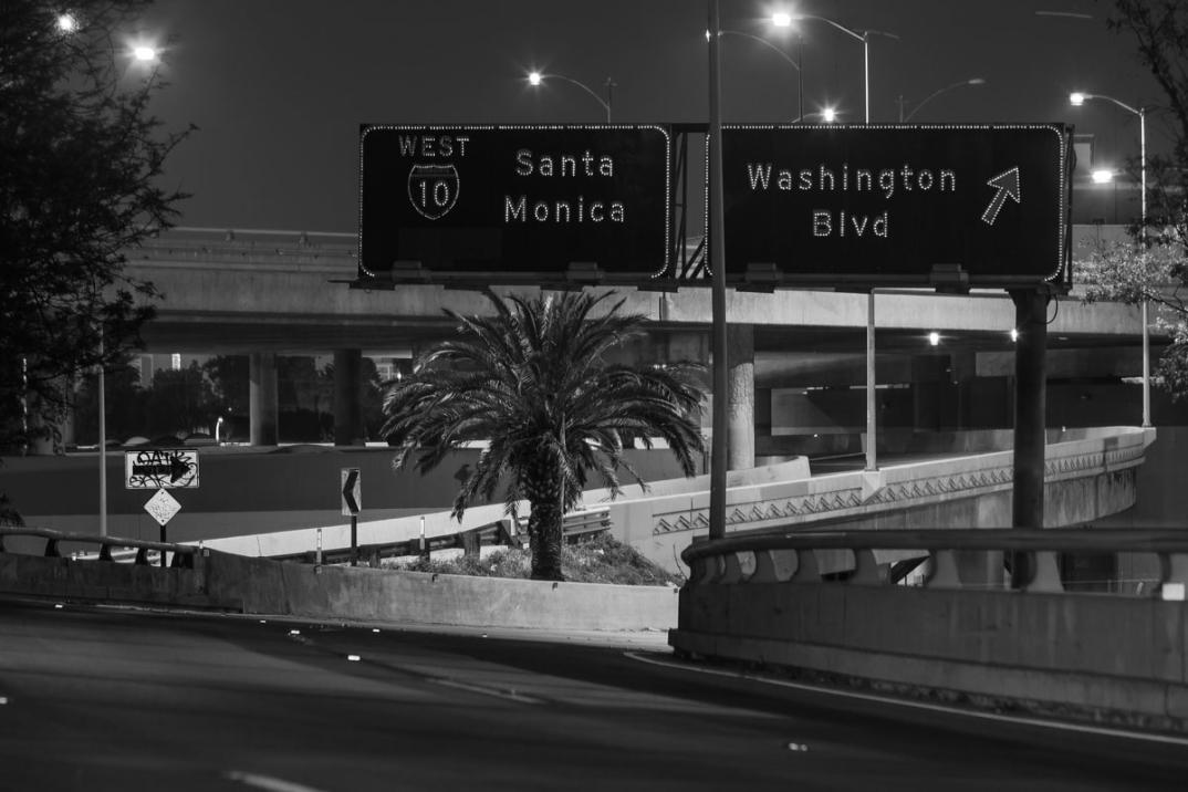 foto-notturne-freeway-strade-deserte-los-angeles-alex-scott-04