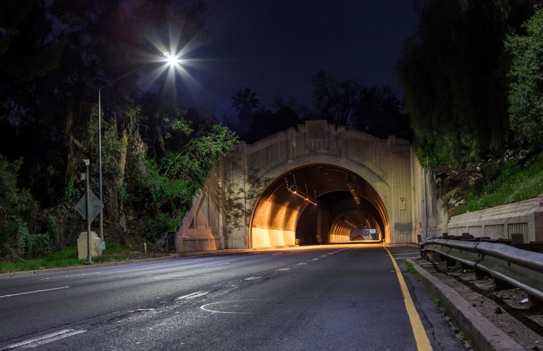foto-notturne-freeway-strade-deserte-los-angeles-alex-scott-06
