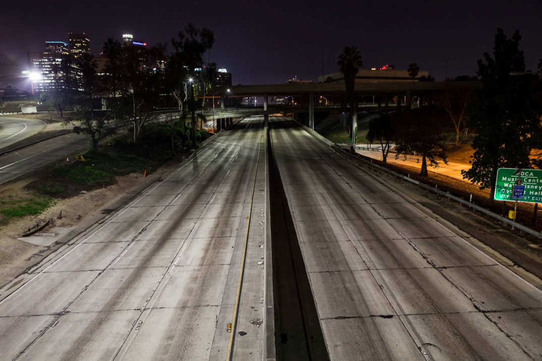 foto-notturne-freeway-strade-deserte-los-angeles-alex-scott-09