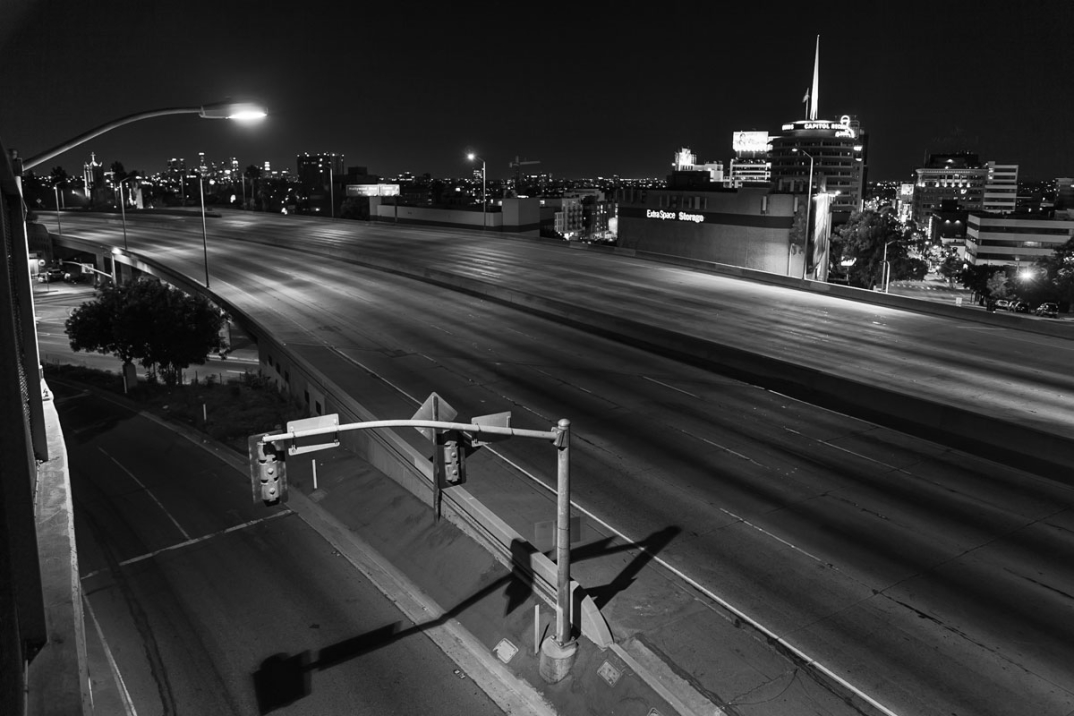 foto-notturne-freeway-strade-deserte-los-angeles-alex-scott-11