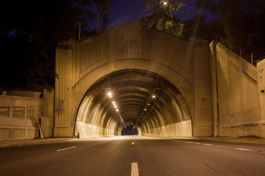 foto-notturne-freeway-strade-deserte-los-angeles-alex-scott-16