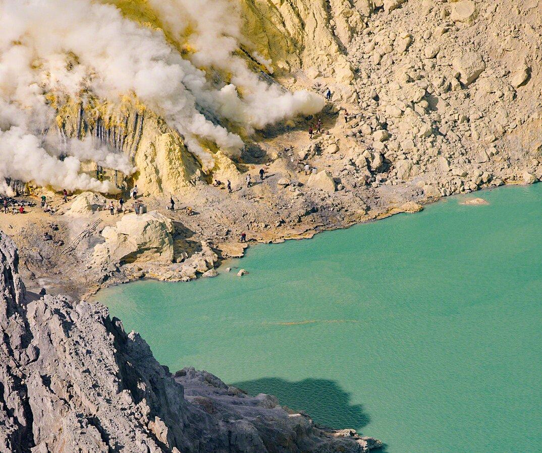 fotografia-minatori-zolfo-indonesia-davide-de-conti-14