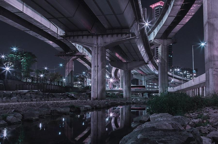 fotografia-notturna-sotto-ponti-seoul-andres-orozco-07