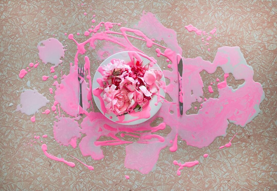 fotografia-surreale-femminile-donna-rosa-pink-prue-stent-11