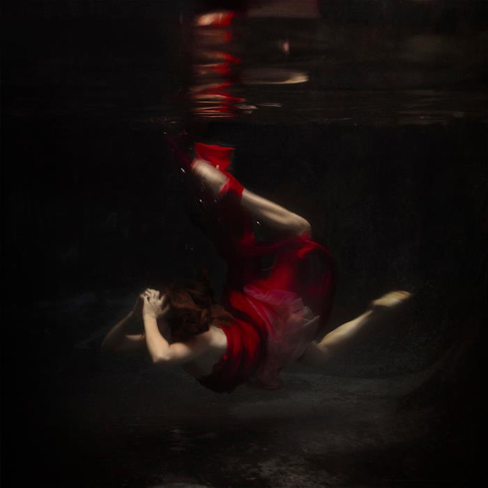 fotografie-surreali-cercano-bellezza-brooke-shaden-16