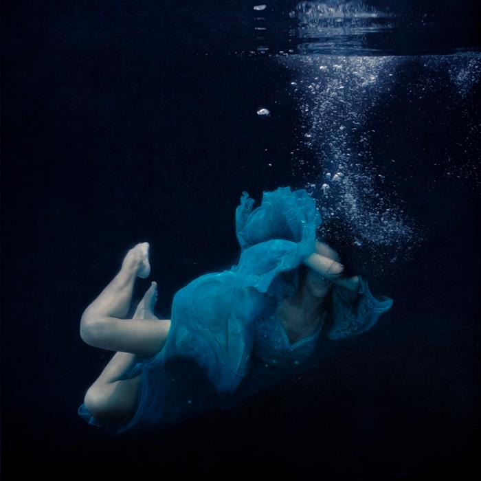 fotografie-surreali-cercano-bellezza-brooke-shaden-17