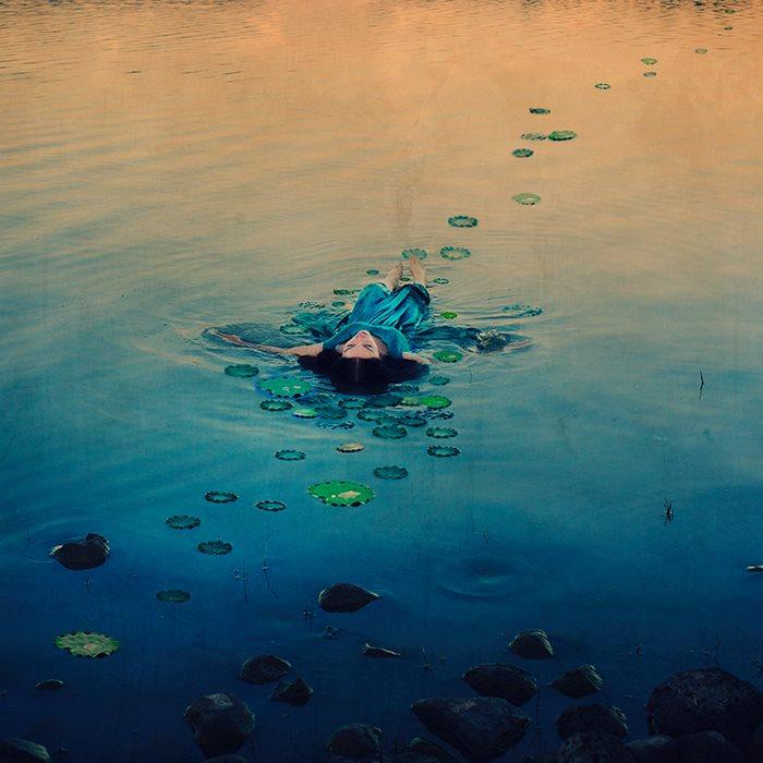 fotografie-surreali-cercano-bellezza-brooke-shaden-27
