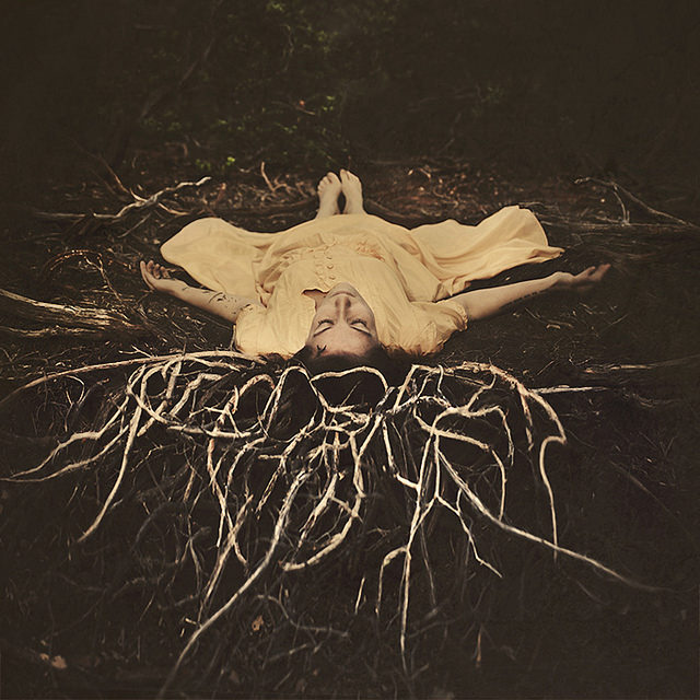 fotografie-surreali-cercano-bellezza-brooke-shaden-31