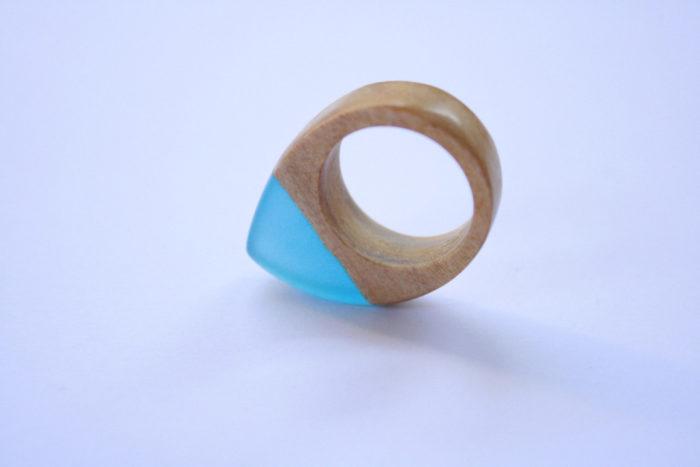 gioielli-artigianali-legno-resina-ciondoli-anelli-orecchini-boldb-02