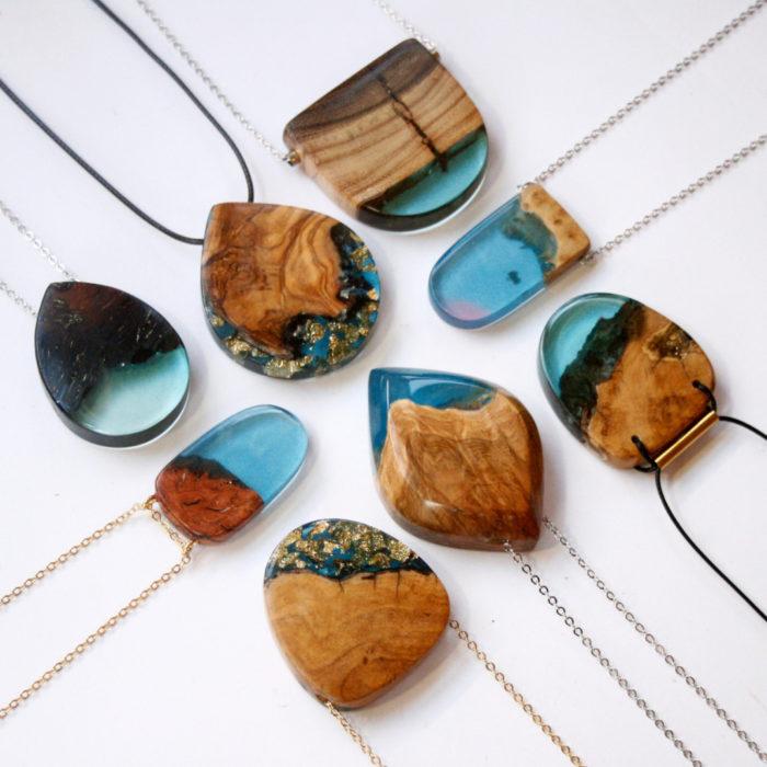 Amato Frammenti di legno fusi con resina diventano magnifici ciondoli e  KB35