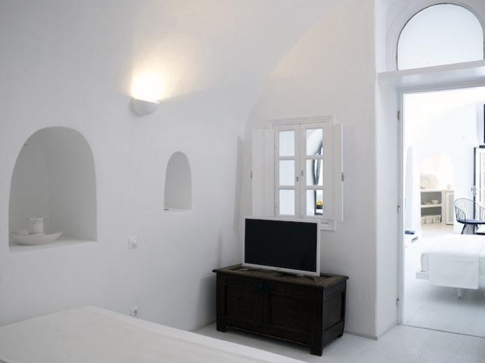 hotel-caverna-grecia-santorini-oia-04