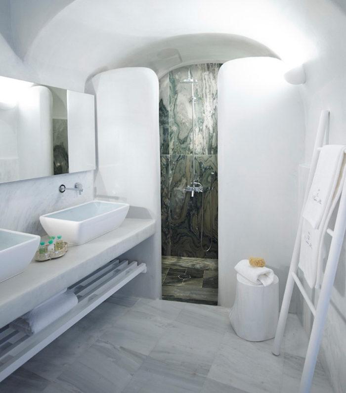 hotel-caverna-grecia-santorini-oia-11