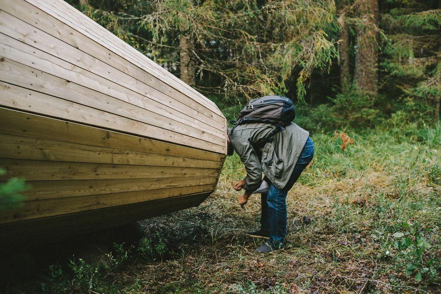 installazione-megafoni-giganti-legno-boschi-estonia-07