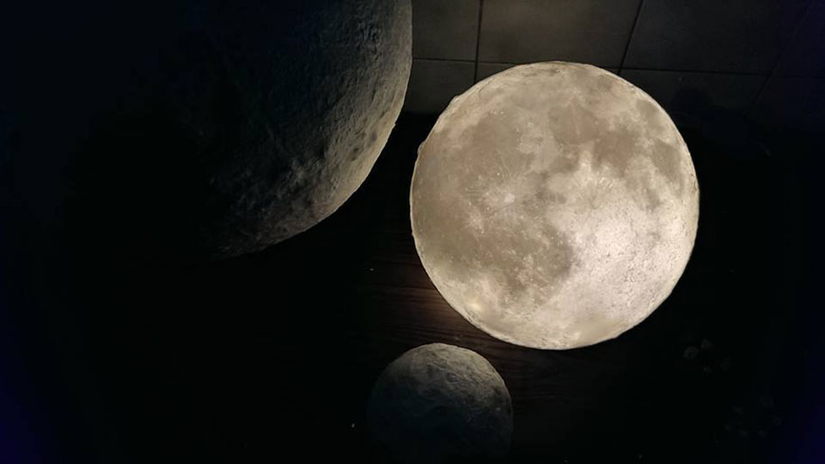 Altre info su luna-the-moon.com Facebook Twitter Indiegogo