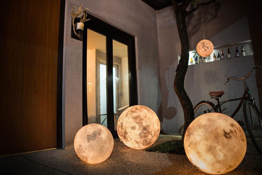 lampada-a-forma-di-luna-acorn-studio-taiwan-02