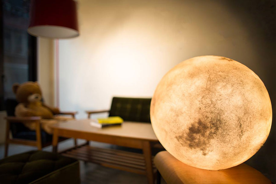 lampada-a-forma-di-luna-acorn-studio-taiwan-10