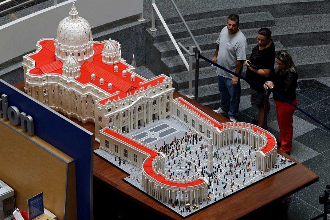 modello-san-pietro-vaticano-in-scala-lego-bob-simon-4