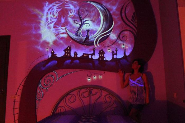 murale-fluorescente-al-buio-camera-da-letto-2