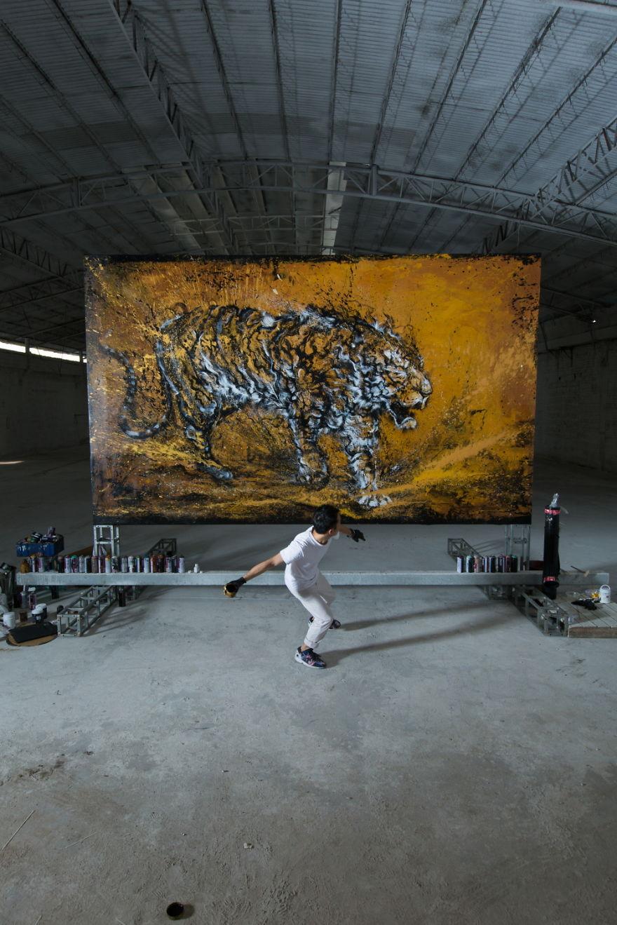 pittura-inchiostro-tecniche-miste-tigre-enorme-ruggente-hua-tunan-5