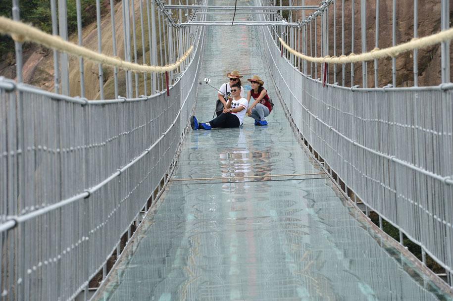 ponte-di-vetro-più-lungo-al-mondo-cina-shiniuzhai-geopark-3