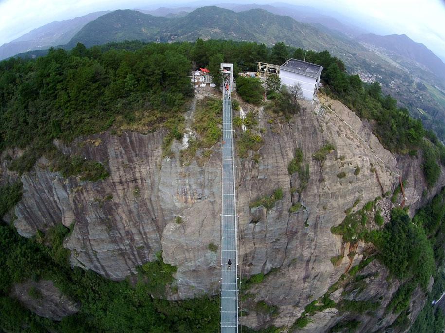 ponte-di-vetro-più-lungo-al-mondo-cina-shiniuzhai-geopark-4
