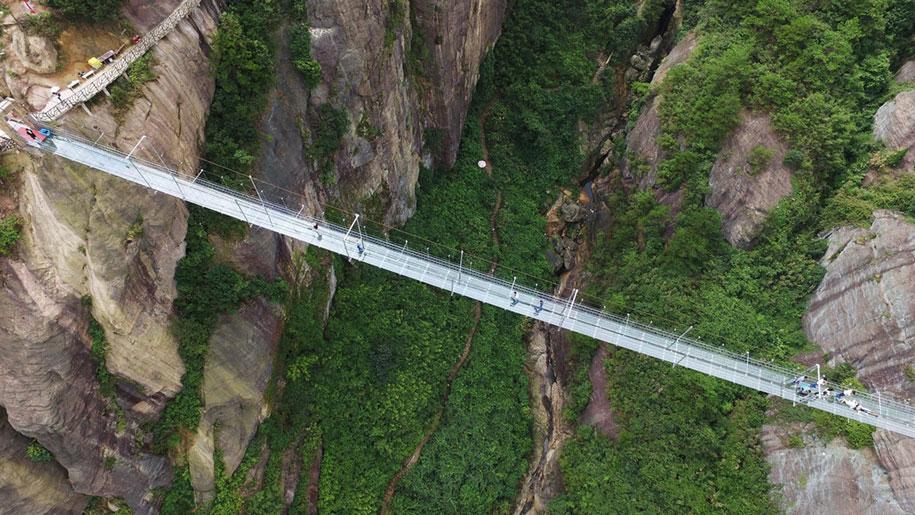 ponte-di-vetro-più-lungo-al-mondo-cina-shiniuzhai-geopark-5