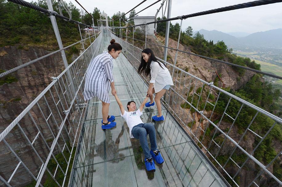 ponte-di-vetro-più-lungo-al-mondo-cina-shiniuzhai-geopark-6