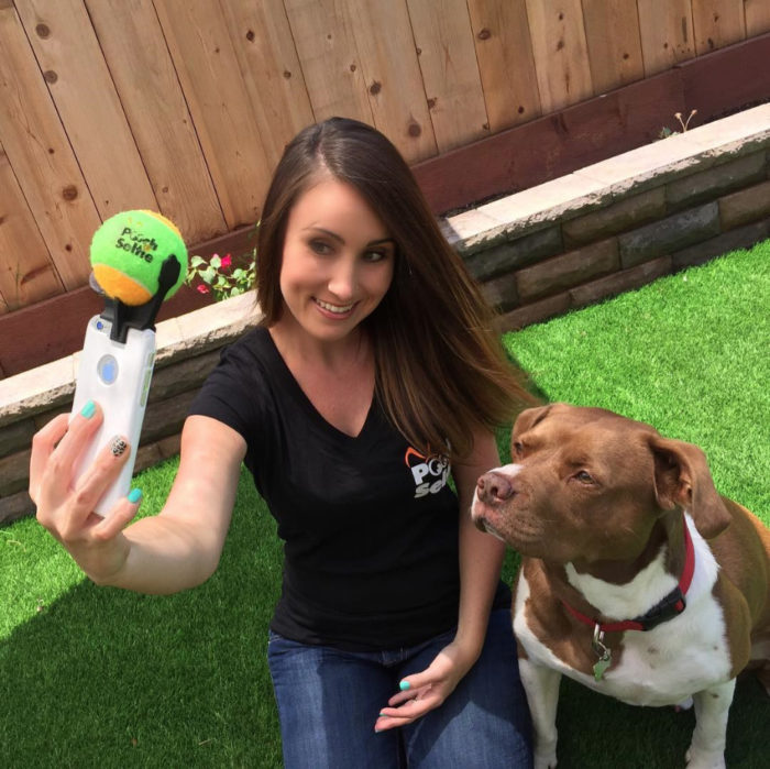 pooch-selfie-con-cane-dog-clever-products-jason-hernandez-2