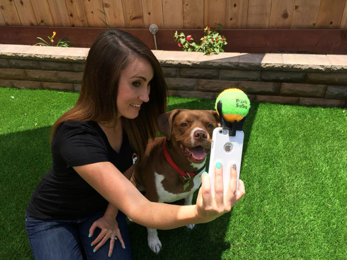 pooch-selfie-con-cane-dog-clever-products-jason-hernandez-4