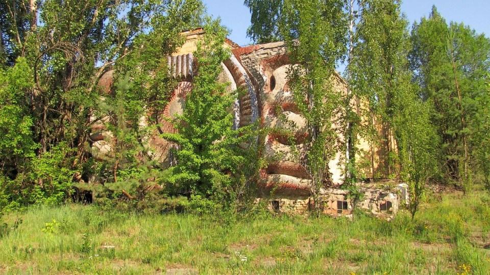 pripyat-chernobyl-natura-vegetazione-animali-radiazioni-19