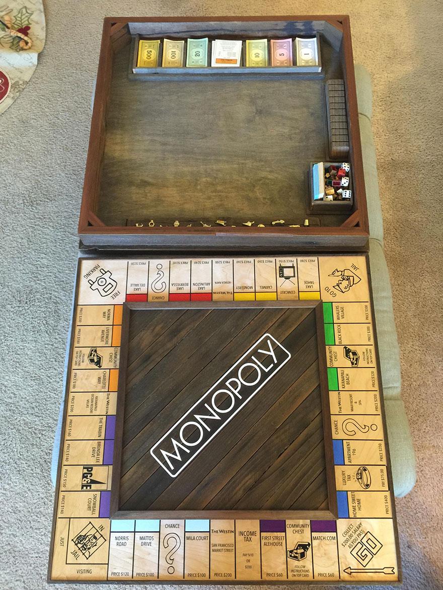 ragazzo-nasconde-anello-proposta-matrimonio-scatola-monopoly-3