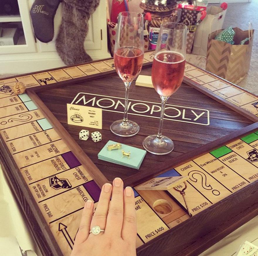 ragazzo-nasconde-anello-proposta-matrimonio-scatola-monopoly-5