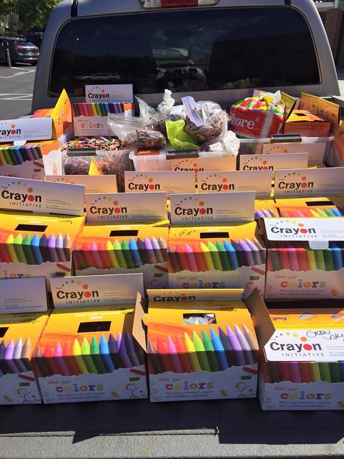 riciclare-pastelli-colori-bambini-ospedali-bryan-ware-03